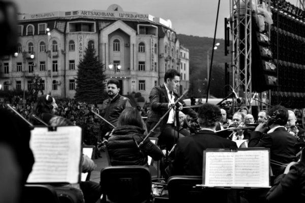 Բացօթյա համերգ Երևանում՝ ի աջակցություն Բեյրութի