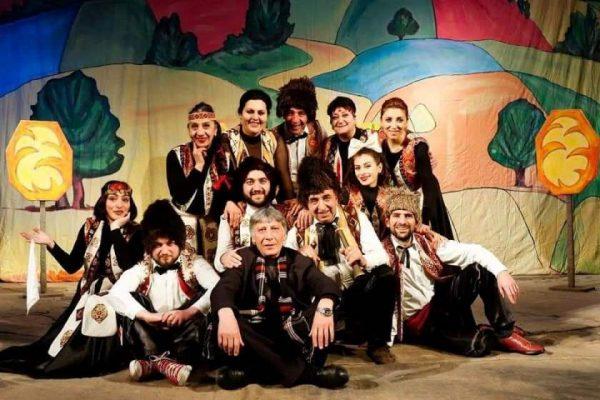 Թիկունքը՝ մշակույթ.Վանաձորի թատրոնում կխաղան Արցախից եկած փոքրիկների համար